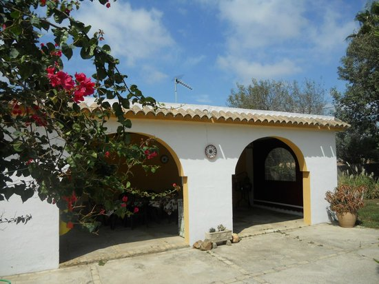 Casa Rural El Parentesis: Pérgola árabe