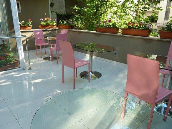 Hotel Christina: Terrace