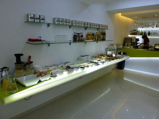 Hotel Christina: Breakfast buffet