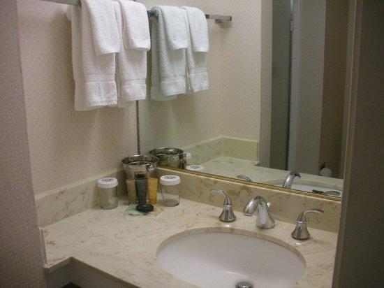 bathroom picture of hotel beresford san francisco. Black Bedroom Furniture Sets. Home Design Ideas