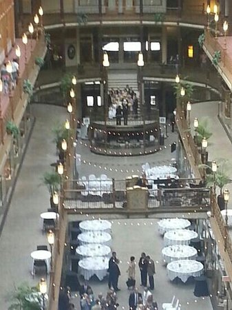 Hyatt Regency Cleveland at The Arcade: wedding at the Hyatt