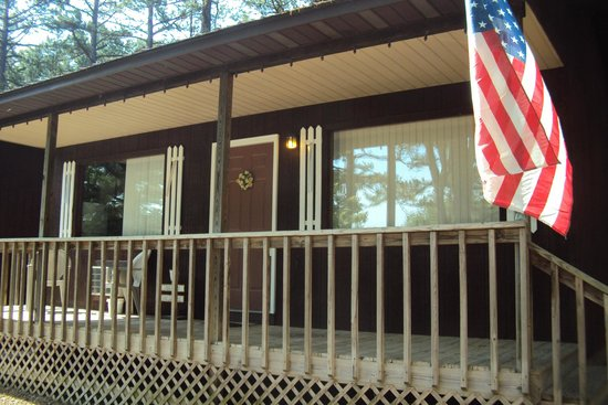 Cardinal Hill Cottages: Quiet peaceful cabin