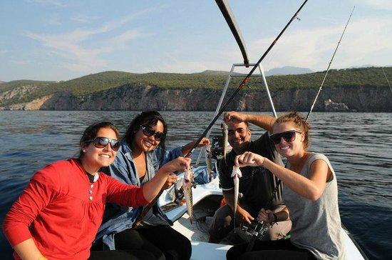 Saki Apartmani : Fishing with Saki