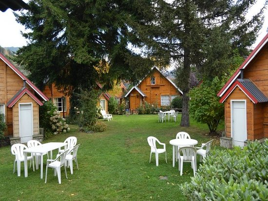 Cabañas Nonthue: Jardin y vista de las cabañas