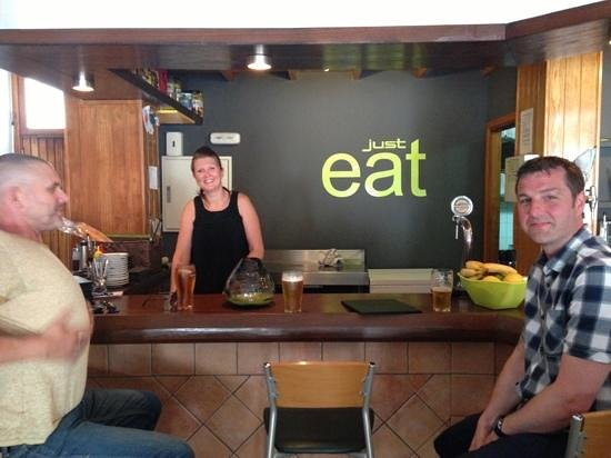 just eat : fantastic hosts even better food