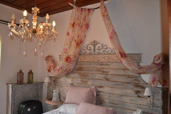 Archontiko Tafilli 1891 : Our room!