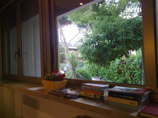 Greenhouse Bed & Breakfast: sala colazione