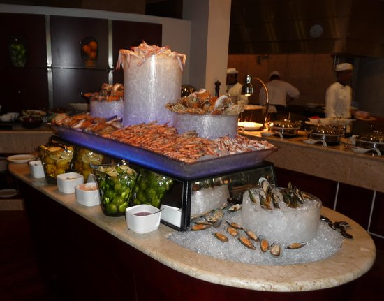 Movenpick Hotel Bahrain: Seafood section
