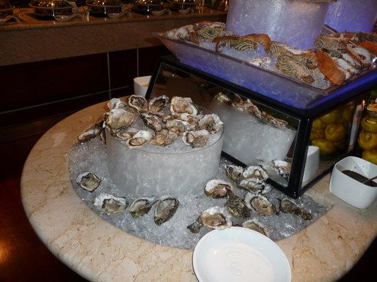 Movenpick Hotel Bahrain: Shellfish bar