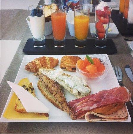 Maison Bousson Bed & Breakfast: Phenomenal breakfast