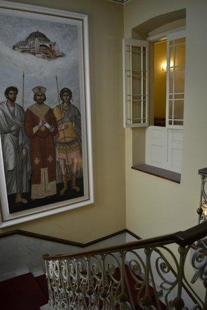 Konstantinos Palaiologos Hotel: Stairs