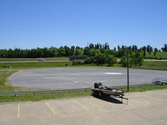 Days Inn Calvert City: Spacious Truck Parking