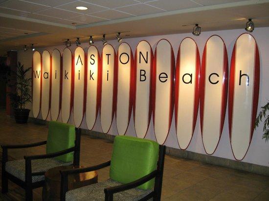 Aston Waikiki Beach Hotel: Hotel trademark in the ground floor.