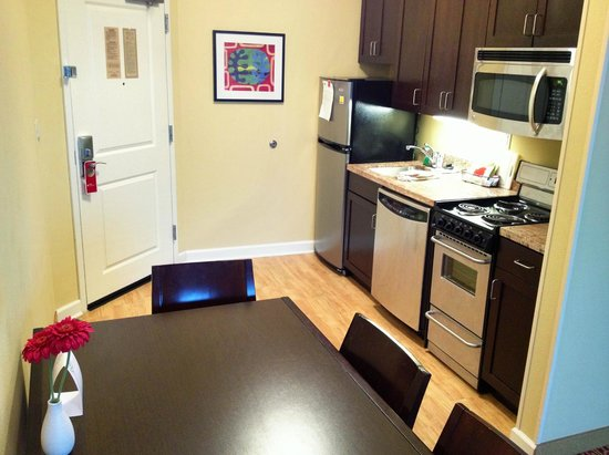 TownePlace Suites Dayton North : kitchenette