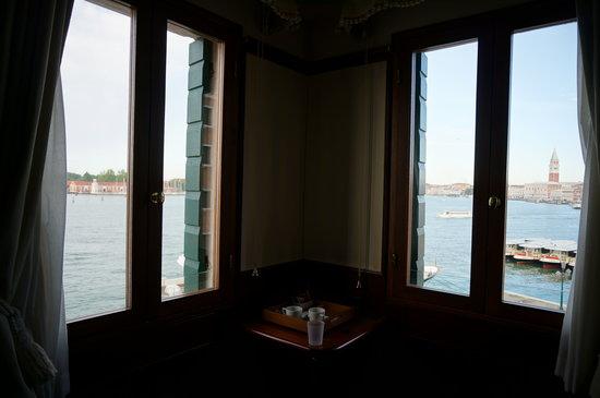 Hotel Bucintoro: corner unit view