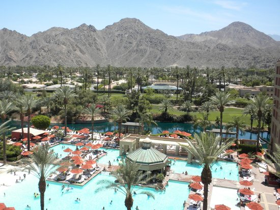 Renaissance Indian Wells Resort & Spa: Pool View from room