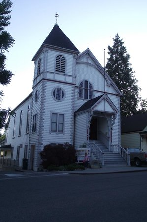 Outside Inn: Nevada City Church
