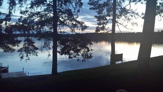 Chippewa Retreat Resort: View of Lake