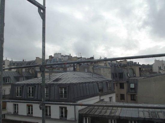 Luna Park Hotel: Sous les ponts de Paris, lorsque descend la nuit