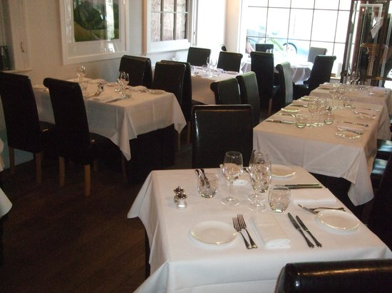 The Town House: Restaurant