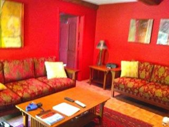 San Giuliano Hotel: living room bright and cheerful