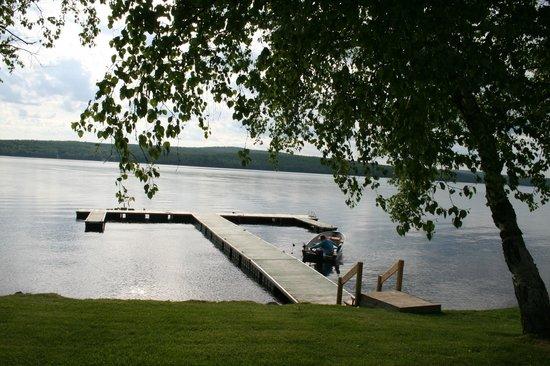 Auberge et Chalets sur le Lac: Marina privée