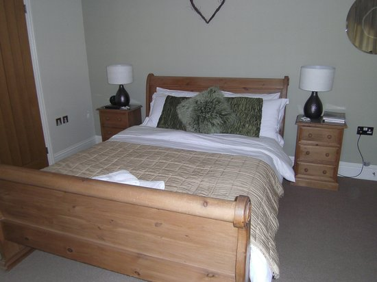Old Stone Bed and Breakfast: superior room  first class