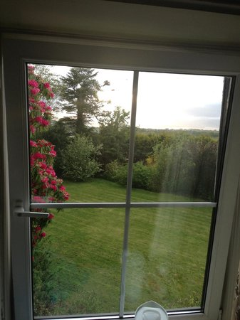 Olde Glenbeigh Hotel: The view from room 6