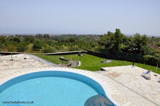 Antico Borgo Petralia: Pool and view