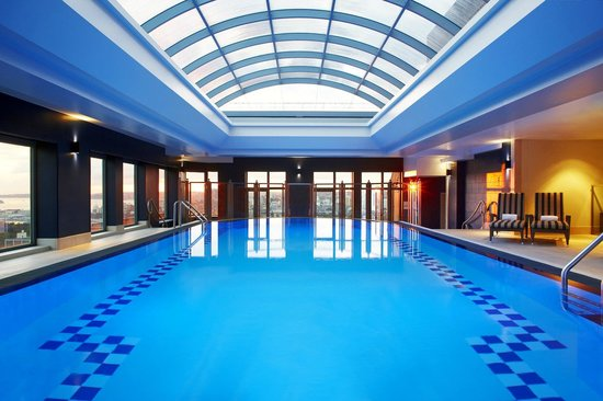 Sheraton on the Park, Sydney: Indoor Rooftop Swimming Pool on Level 22