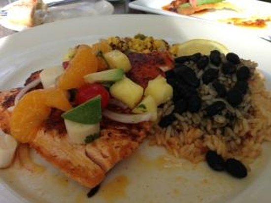 Black Marlin Bayside Grill: Atlantic Salmon