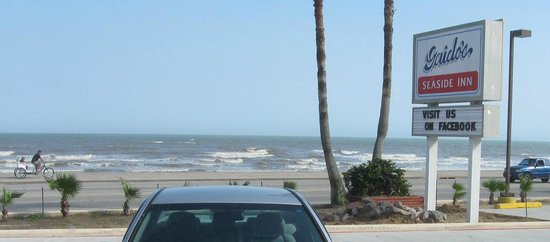 Gaido's Seaside Inn : View of the gulf from our room