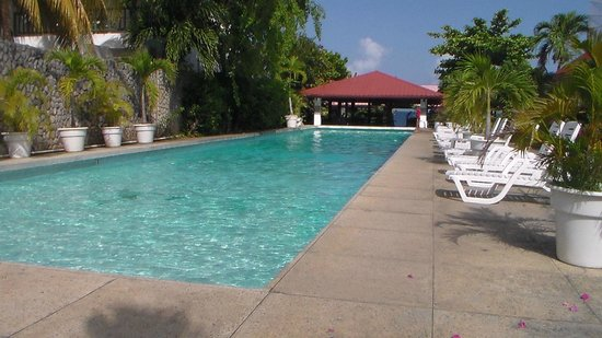 Sandy Point Village: piscine
