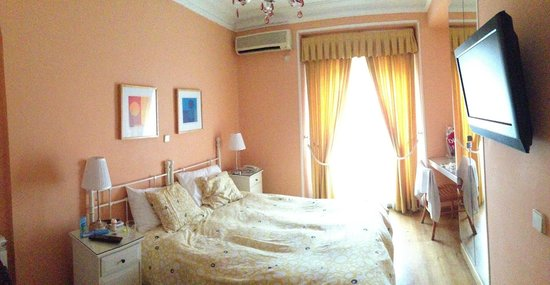 Hostal Adriano: our room