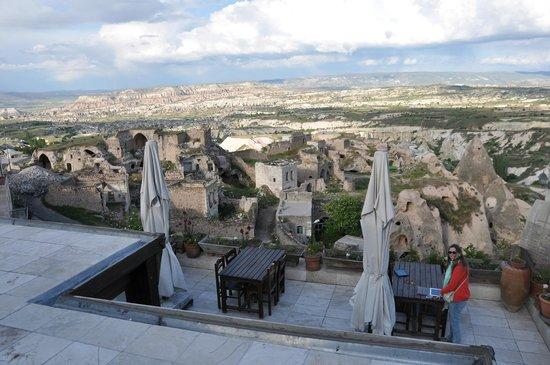 Takaev Cave Hotel: The terrace