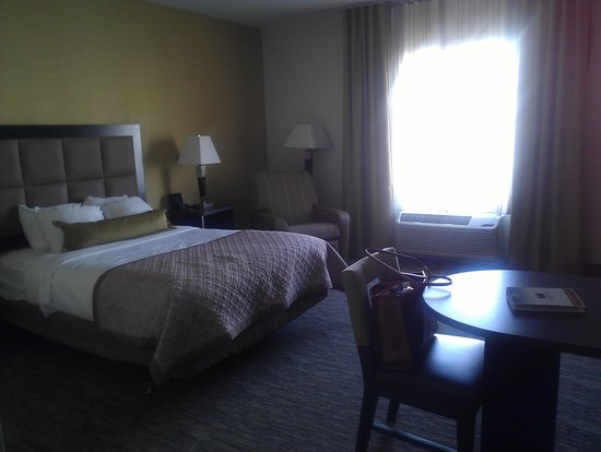 Candlewood Suites Alexandria - Fort Belvoir: Bed area