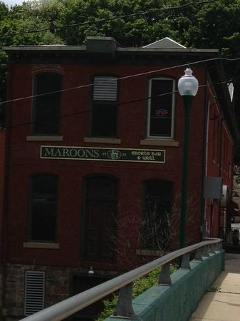 Maroons Sports Bar : Neat view from the back where a railroad must have been once