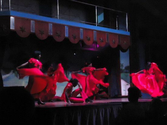 ClubHotel Riu Ocho Rios: Night entertainment