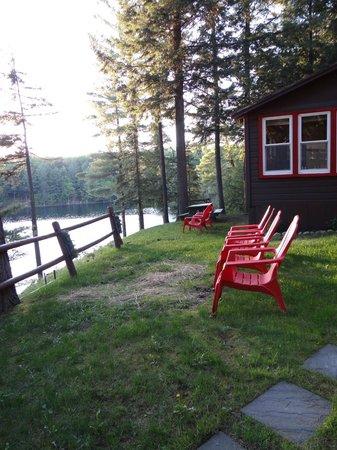White Lake Lodges: Outside Loon Lodge