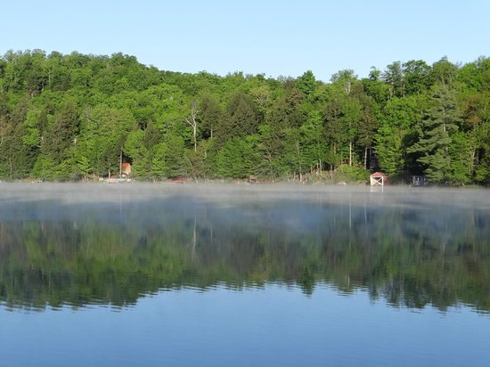 White Lake Lodges: Early morning mist