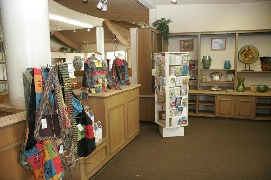 Lawrence's Restaurant : Gift Shop