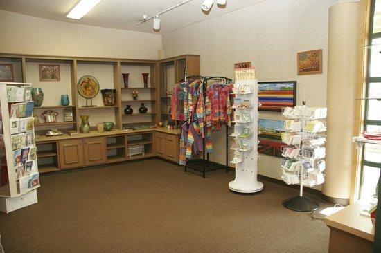 Lawrence's Restaurant: Gift Shop