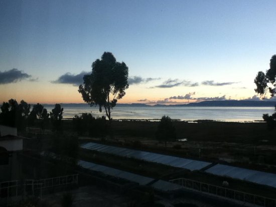 Taypikala Lago: Amaneciendo en el Lago (desde la habitación del hotel)