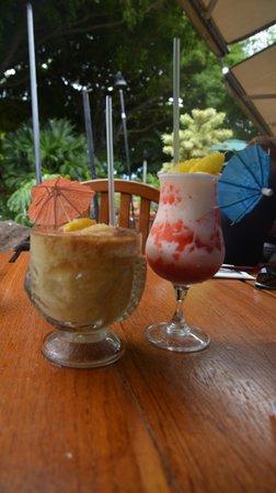 Keoki's Paradise: Frozen mai tai and lava flow