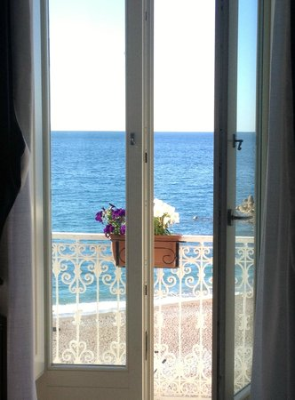 Residence Hotel: View of Sea from Room