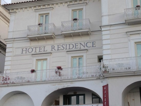 Residence Hotel: Outside of Hotel