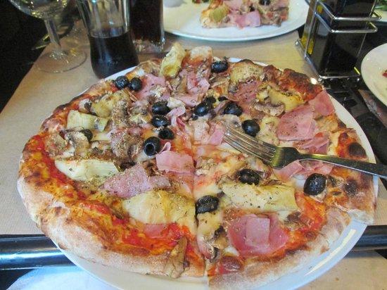 Bacino: Ham/olive/artichoke pizza