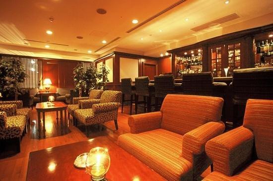 Hotel Nikko Princess Kyoto: メインバー ダーレー/Main bar Darley