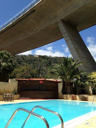 Santa Cruz Village Hotel: Pool with a view !!!