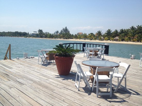 The Placencia Hotel and Residences: Not a bad seat to be found at The Pier Restaurant